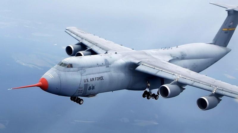 Lockheed C-5