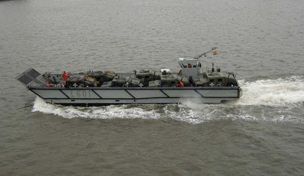 десантный катер LCM-1E