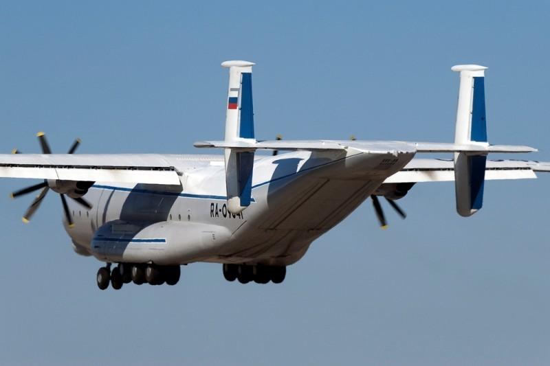 Тяжелый военно-транспортный самолет Ан-22 АНТЕЙ