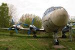 Памятник самолету Ил-18 в Калуге