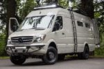 Умелец создал автодом на базе Mercedes-Benz Sprinter