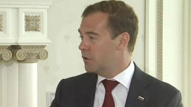 Медведев пообещал Бойко газ дороже, чем Украина покупает