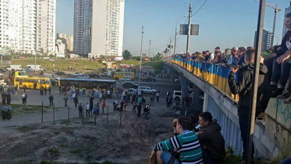 Міст над колектором на житловому масиві Осокорки